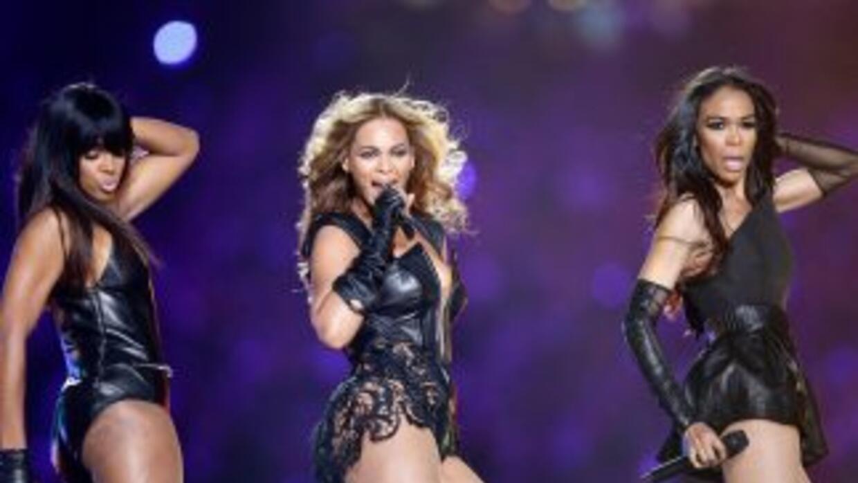 Las Destiny's Child, que se reunieron en 2003, interpretaron en esta oca...