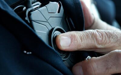 Oficiales del distrito de Harrison ya fueron equipados con cámaras corpo...