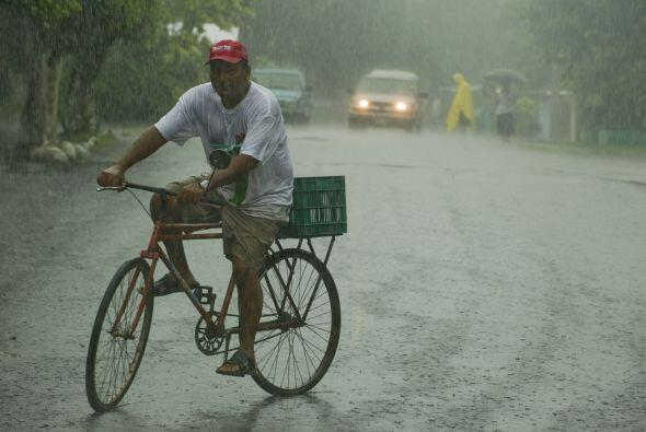 Calderón manifestó que las lluvias en Veracruz podrán alcanzar hasta los...