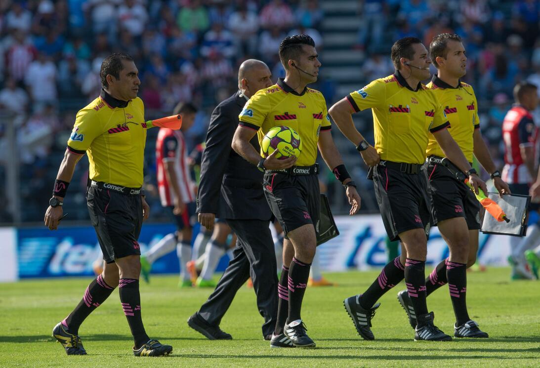 ¡Funcionó la Bruja! Cruz Azul venció 2-1 a Chivas 20170422_6281.jpg