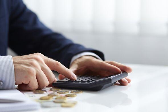 Ajustes. Reduce un 10% tus gastos. Siempre es posible hacer un pequeño a...