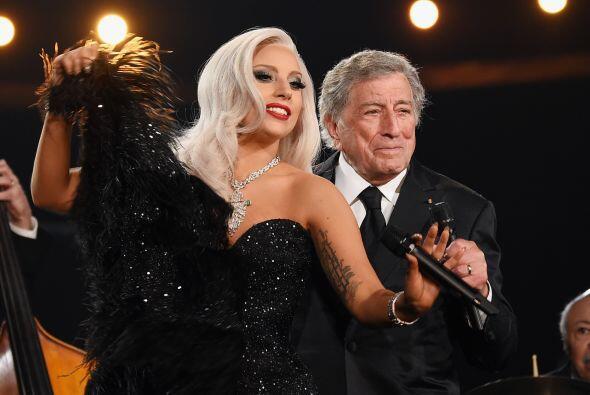Lady Gaga y Tony Bennett pusieron el toque de jazz a la noche de los GRA...