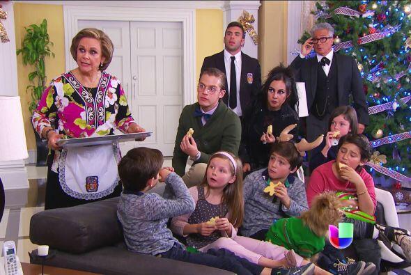 ¡Ahhh! Pero antes dale la noticia a toda la familia Lascurain. ¡Sí, ahor...
