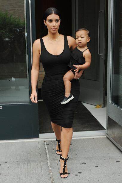 Kim adora ser mamá.