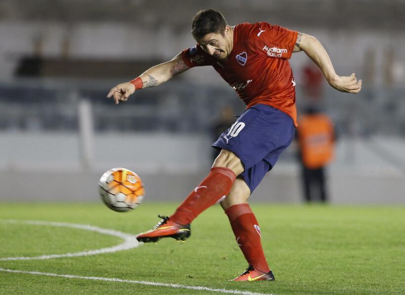 'Loco' Abreu vestirá en Uruguay su camisa 25 GettyImages-609608086.jpg