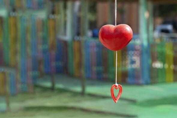 Móvil de corazones. Deja que los niños se encarguen de la decoración y t...