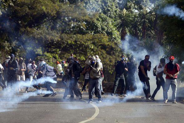Los choques se desataron luego de que los manifestantes recorrieron un s...