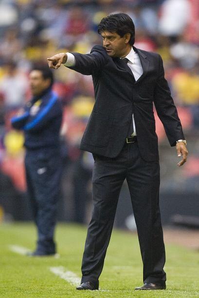 -José Cardozo anunció la posibilidad de no utilizar a Sinha para el duel...