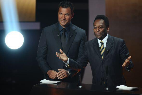 Estuvo presente Pelé, quien daría los premios a los elegid...