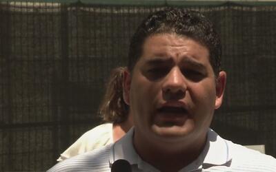 Activista mexicano denuncia que un policía del condado de Harris lo amen...