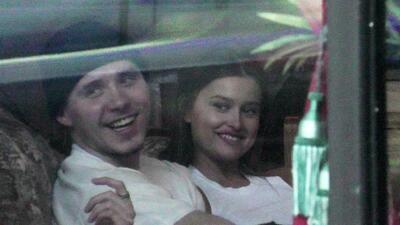 El hijo mayor de Victoria y David Beckham dejó a su novia actriz por esta modelo de Playboy