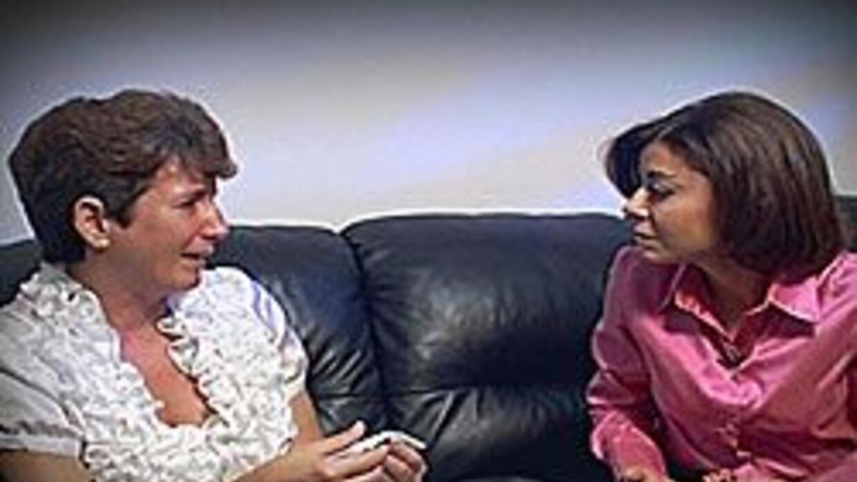 La jueza Cristina Pereyra habla con la familia del joven acusado de ases...
