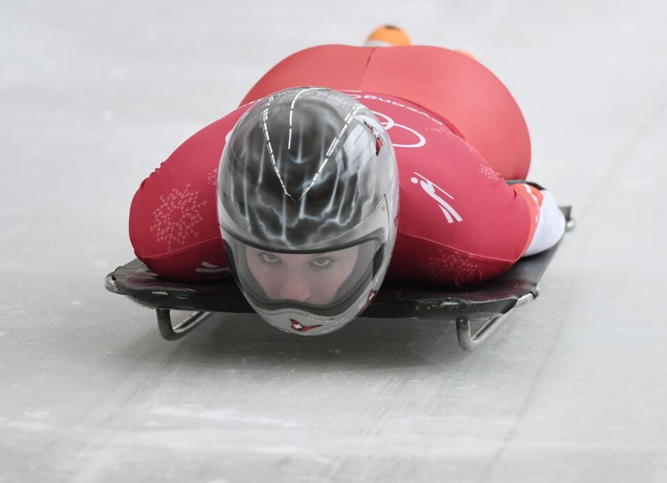 La niebla es la protagonista del casco de la italiana Marina Gilardoni.