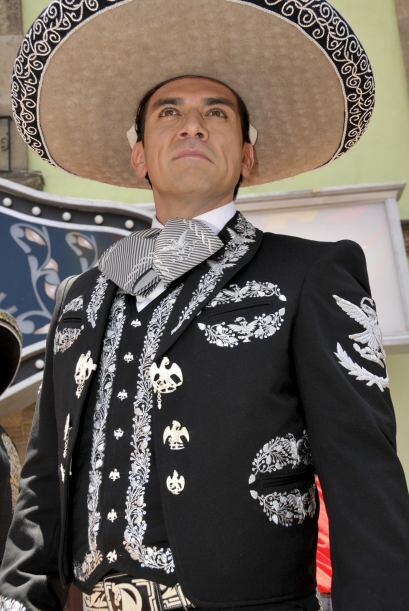 "Jorge Salinas inspira ""Qué Bonito Amor""."