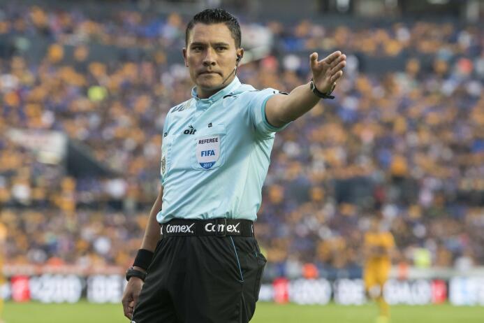 El karma alcanzó a Chivas en derrota de último minuto ante Tigres arbitr...