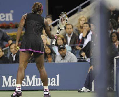 """Agresión verbal """"Te voy a matar"""". Serena Williams perdió la paciencia co..."""