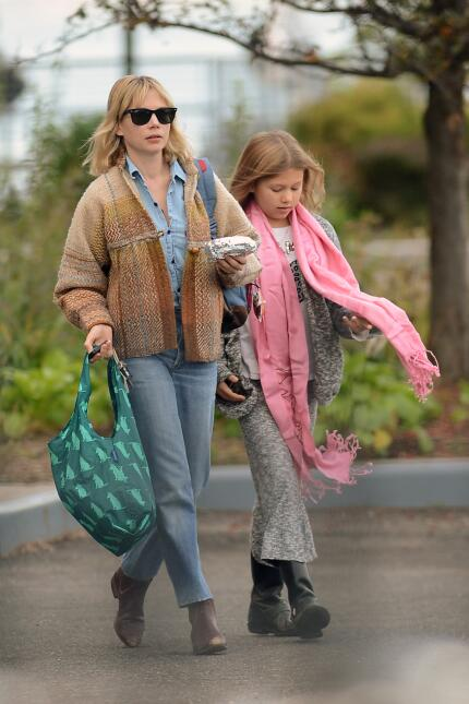 Matilda, la pequeña que tuvo con la actriz Michelle Williams, cada día s...