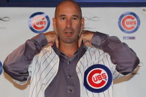 Dale Sveum fue presentado como nuevo manager de los Cachorros de Chicago...
