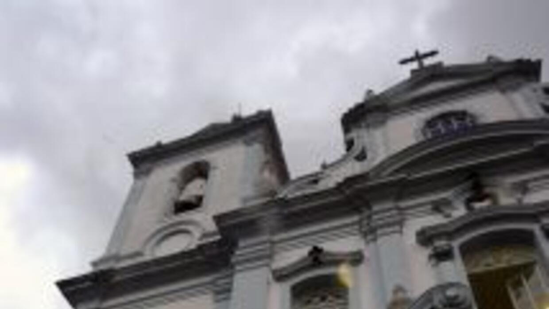 En 2001, Alcione Saturnino dos Santos asistía a un oficio religioso en e...