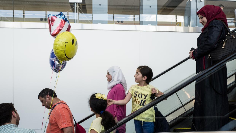 Una familia de refugiados llega a Detroit, Michigan, luego de tres años...