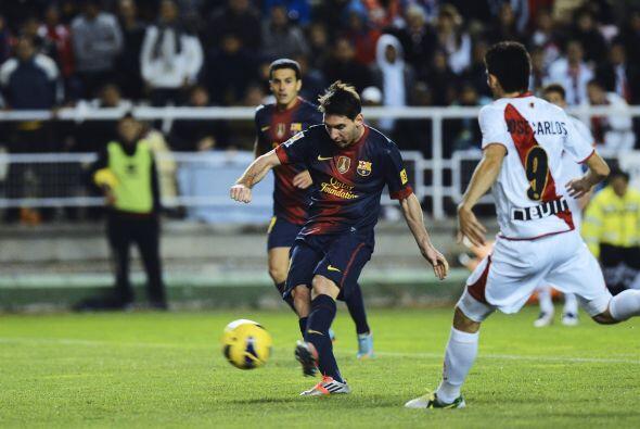 'La Pulga' lideró al Barcelona en la visita al campo del Rayo Vallecano.