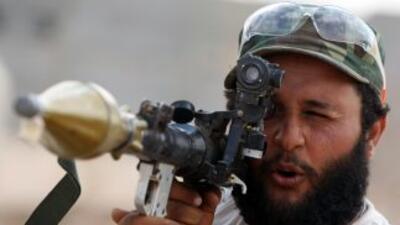 Los rebeldes libios tienen cercado el oasis de Bani Walid, en el sur del...