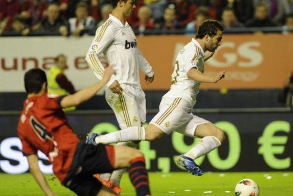 Antes del final, el 'pipita' Higuaín anotó el quinto del Madrid.