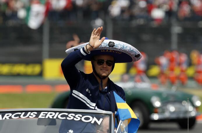 Futbolistas, expresidentes y celebridades presentes en el GP de México a...