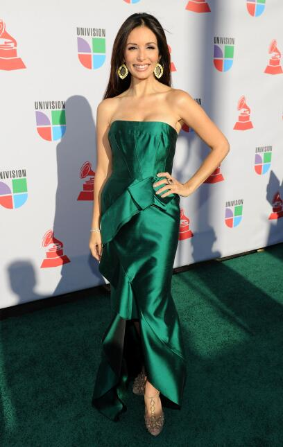 Actress Giselle Blondet arrives at the 11th annual Latin GRAMMY Awards a...