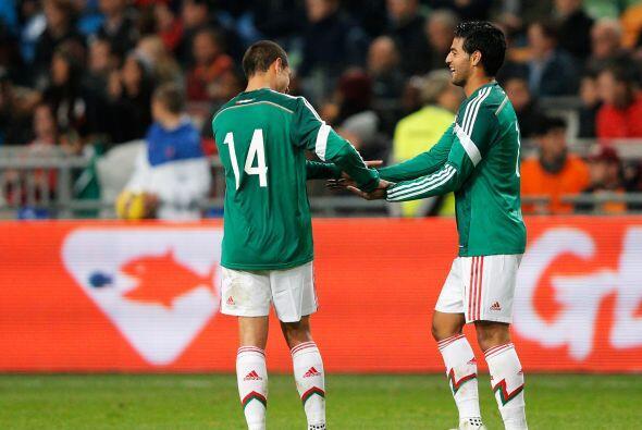 Adelante parece que no hay dudas, Ferretti alineará a Carlos Vela y Javi...