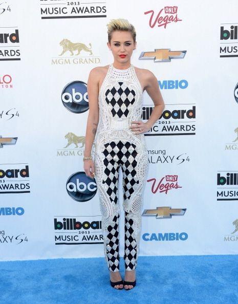Indiscutiblemente, Miley Cyrus y su asesora Lisa Katnic piensan que la r...
