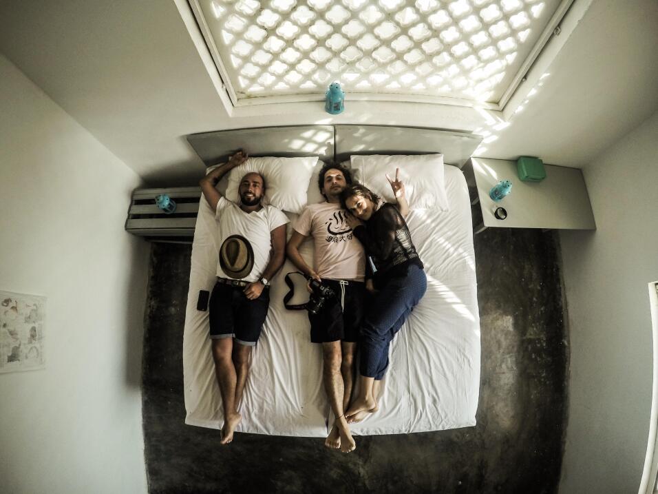 ¿Invitarías a un desconocido a tu cama? unnamed-4.jpg