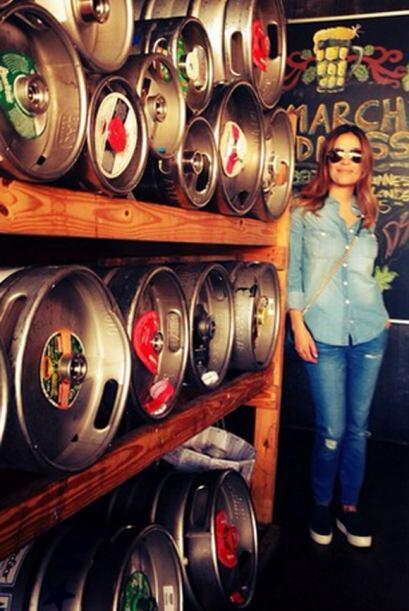 'Beer anyone? #draftbeerlover', compartió Karla. (Marzo 22, 2015)