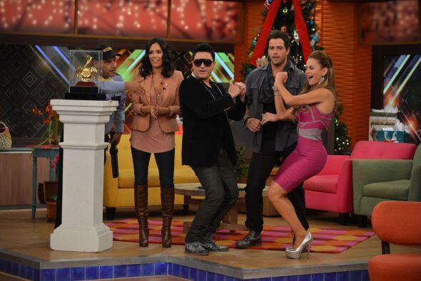 Pero Doña Meche no fue la única bailadora, la música se apoderó de todos...