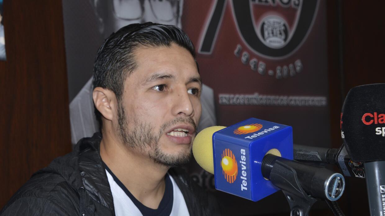 Jhonny González va por el título superpluma (Foto: Alma Montiel).