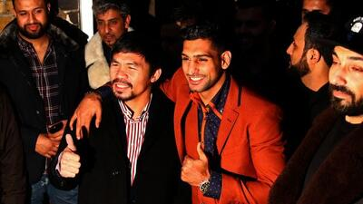 Manny Pacquiao y Amir Khan en el Fitzroy Lodge Amateur Boxing Club de Lo...