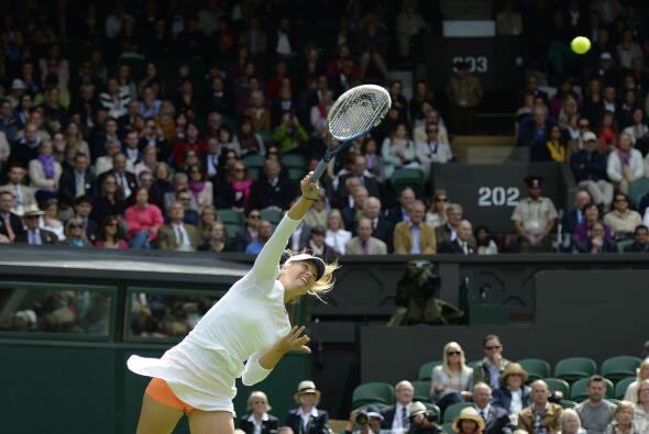 La tercera favorita en Londres, la rusa María Sharapova tuvo un día comp...