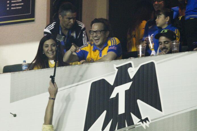 Estos son los hinchas famosos de Chivas y Tigres en la final del Clausur...