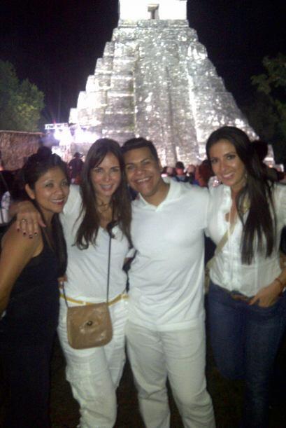 Y la fiesta maya comenzaba apenas.
