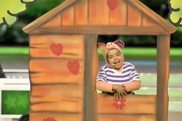 El puerquito más engreido, Grecia, construyó su casita de madera.