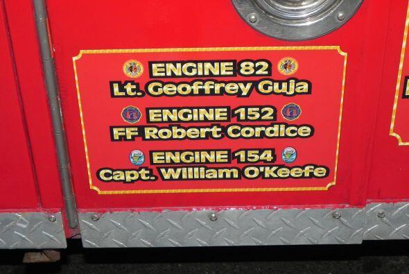 Carro bombero recuerda a sus caídos el 9/11 9671fb04421347598278febabd3c...
