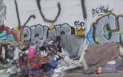¿A qué se debe el incremento de indigentes latinos en Los Ángeles?