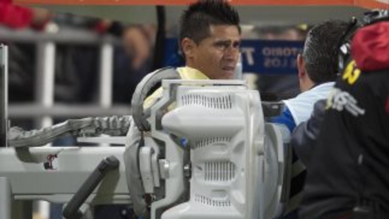 Oswaldo Martínez se convirtió en el primer futbolista al que se le saca...