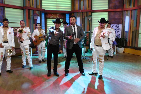 Sin duda pusieron a cantar y bailar a todos en el estudio.