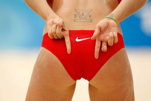 La estadounidense Misty May-Treanor, es jugadora profesional de voleibol...