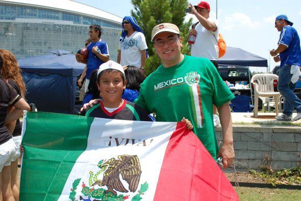 Un partido de México era el pretexto perfecto para estar con la familia.