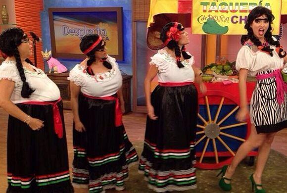"""""""4 Generaciones!! #AyAmaaaaaaaaaa #PaQueTeJaltes #LasChonas #DespiertaAm..."""