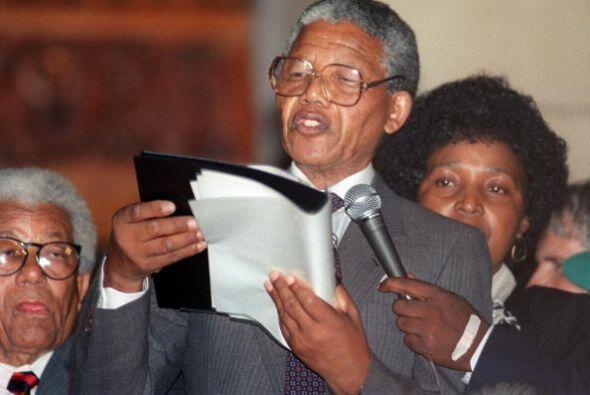Pero en 1964 fue capturado y llevado a la isla-prisión de Robben...