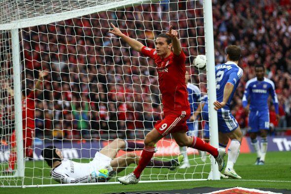 Andy Carroll salió gritando el gol.
