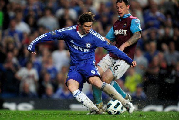Cuando promediaba el segundo tiempo ingresó Fernando Torres en lugar de...